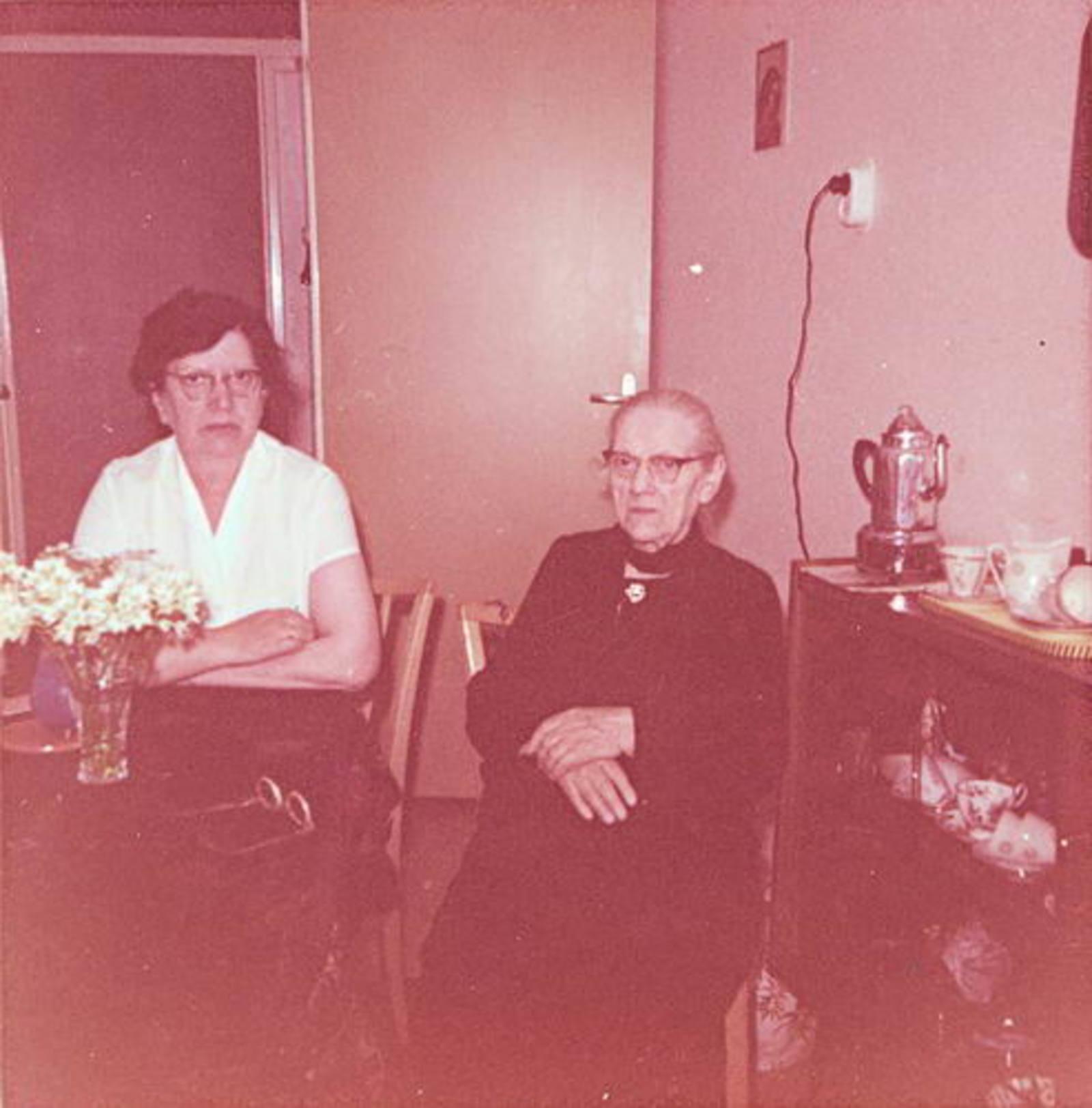 Stroomer-Koppedrajer Marijtje 1875 1962- met dochter Trijn Stroomer