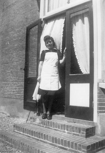 Tulen-Calvelage Greet 1920 19__  Dienstbode bij Grotenhuis v Onstein