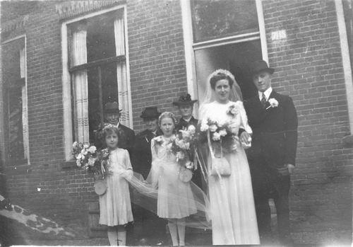 Tulen Jan 1916 19__ trouwt Greet Calvelage 04