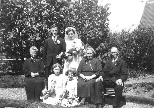 Tulen Jan 1916 19__ trouwt Greet Calvelage 05