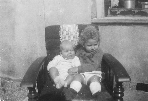 Tulen Jan 1916 19__ zoons Ben en Jaap
