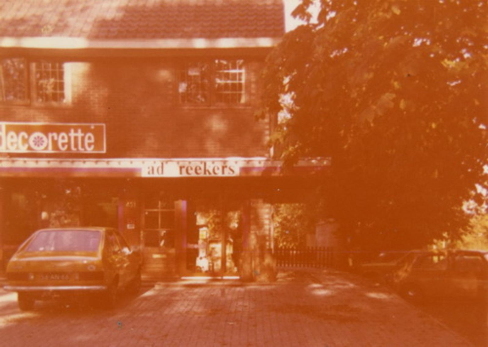 Venneperweg N 0431 1977+ winkel Decorette v Ad Reekers