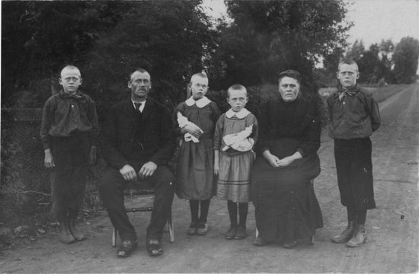 Verhulst Pietje Jacdr 1878-79 19__ gezin Jaap Haspels
