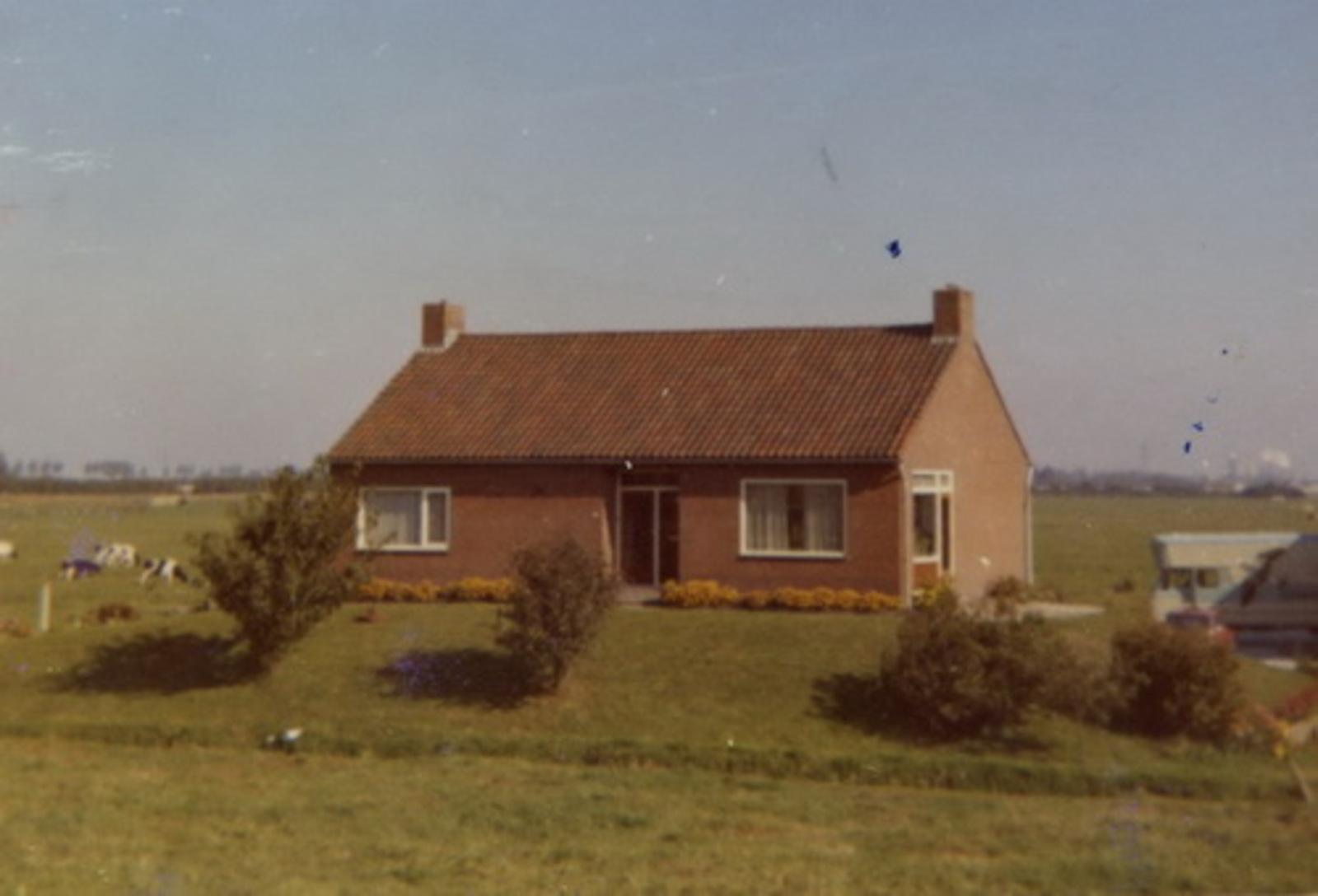 Vijfhuizerdijk 0125 1966+ Bungalow A Ooms 02