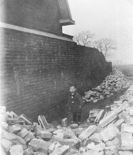 Vijfhuizerweg 0199+ 1945 met Scherfmuren 03