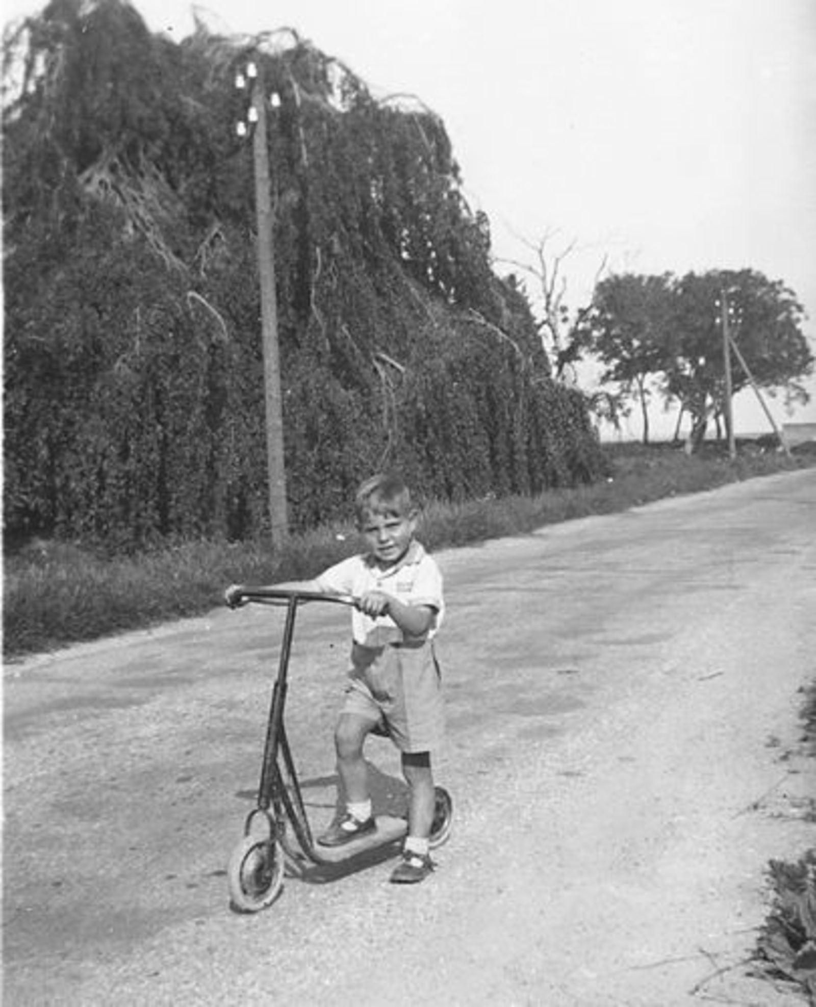 Vijfhuizerweg 0199+ 1947± met Familie Bram Stieva 07