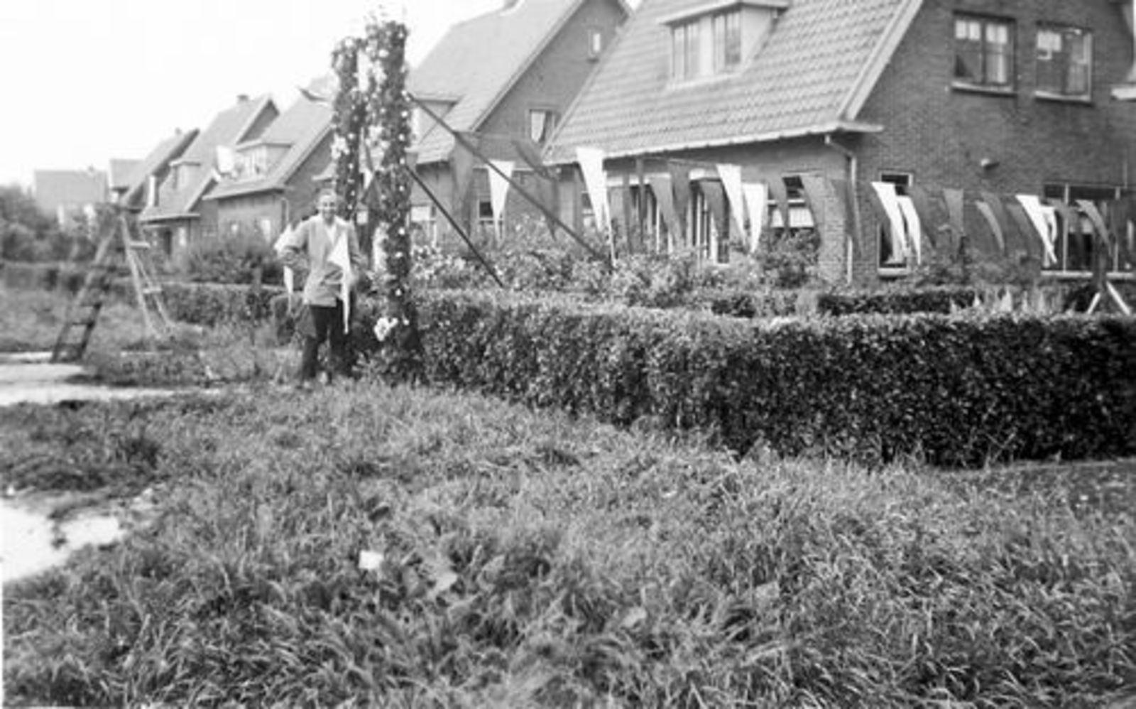 Vijfhuizerweg N 0199+ 1950± Anton vd Steeg Soldaat 01
