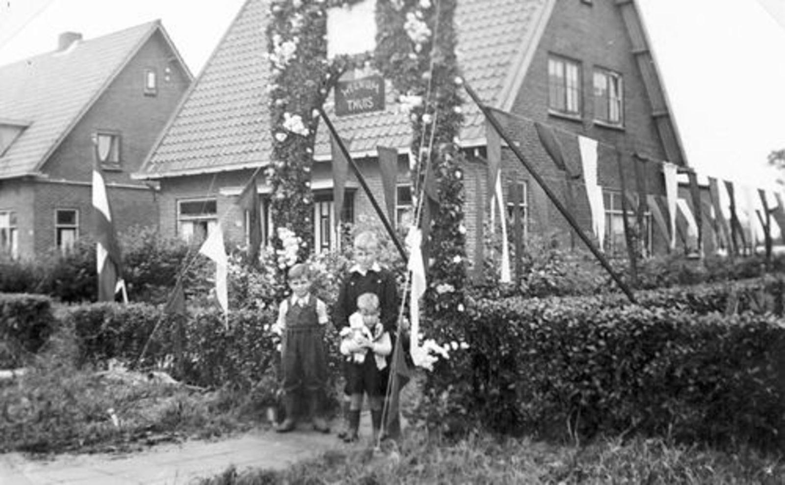 Vijfhuizerweg N 0199+ 1950± Anton vd Steeg Soldaat 02