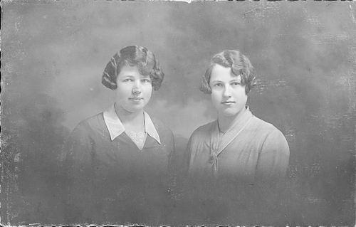 Vlieger Piet de 1862 19__ Portret dochters Gre en Cor