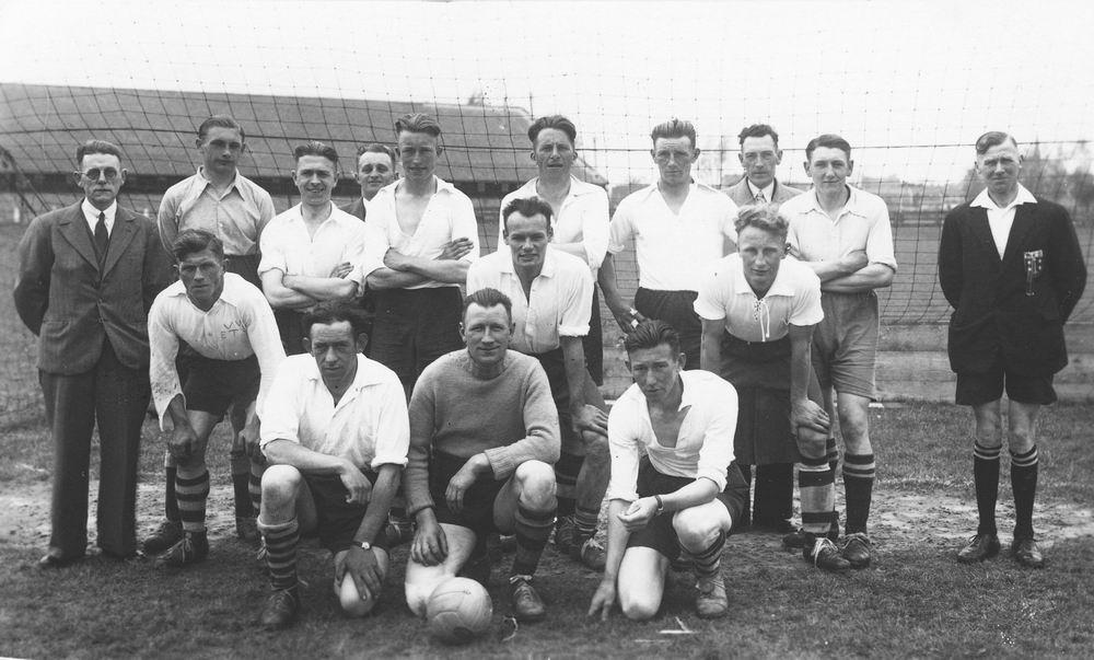 Voetbal ETO 1943 met Johannes de Boer