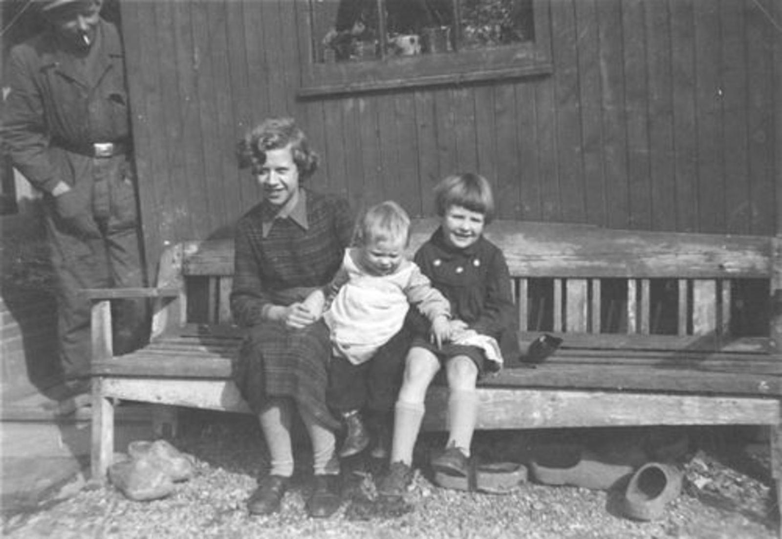 Wassenaar Cock 1950 met broertje Ted ea