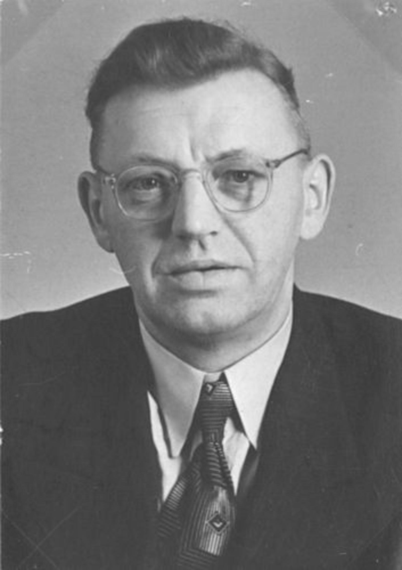 Wassenaar Hendrikus G 1909 1951 Pasfoto met vrouw Elisabeth A Duwel 01