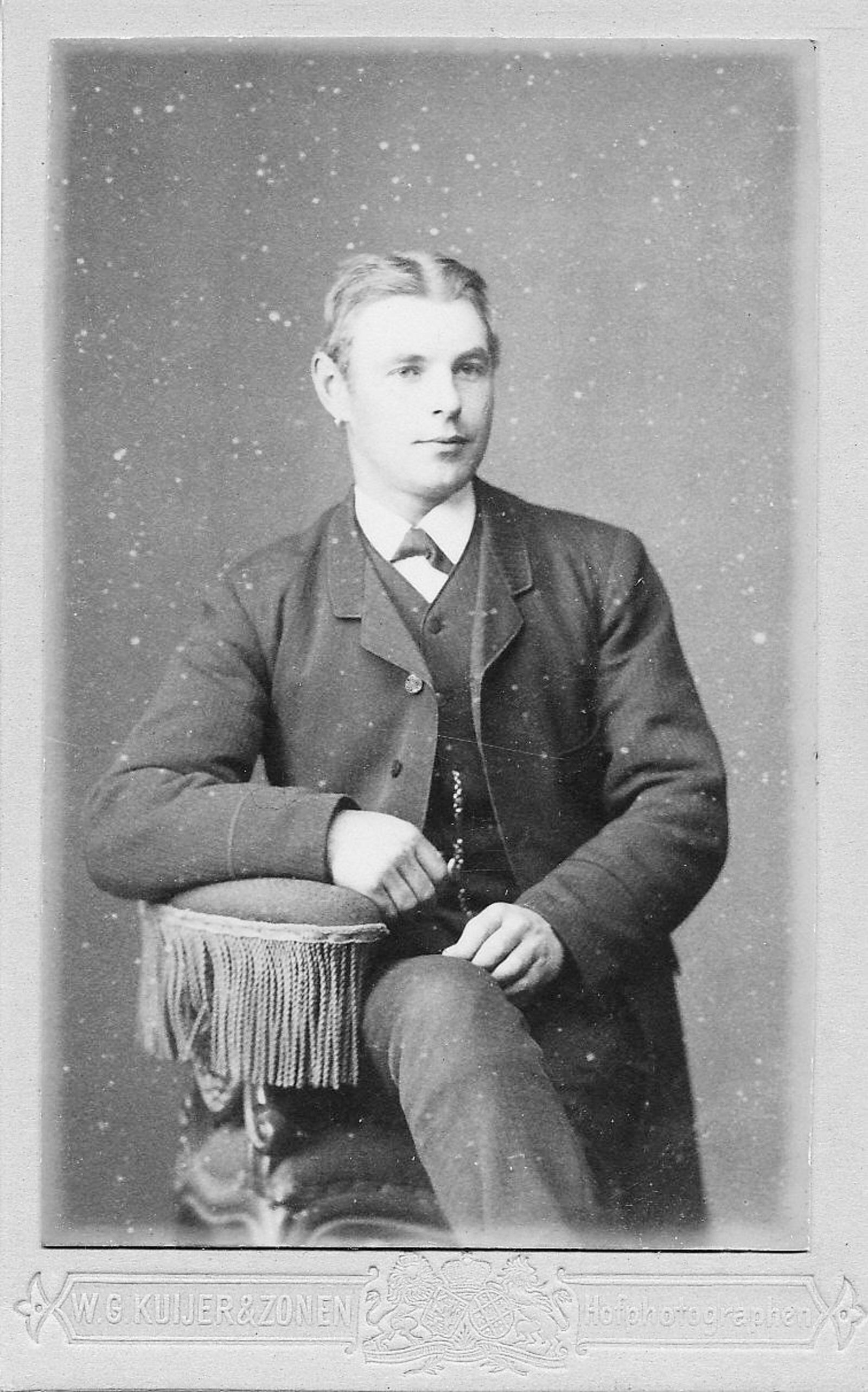 Breure Arie Nicolaas 1867 19__ bij Fotograaf