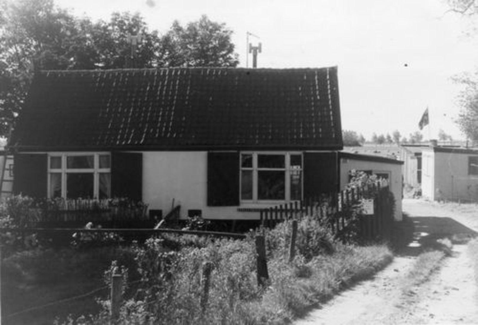 Zwanenburgerdijk 0158-159 1972  Huize .jpg