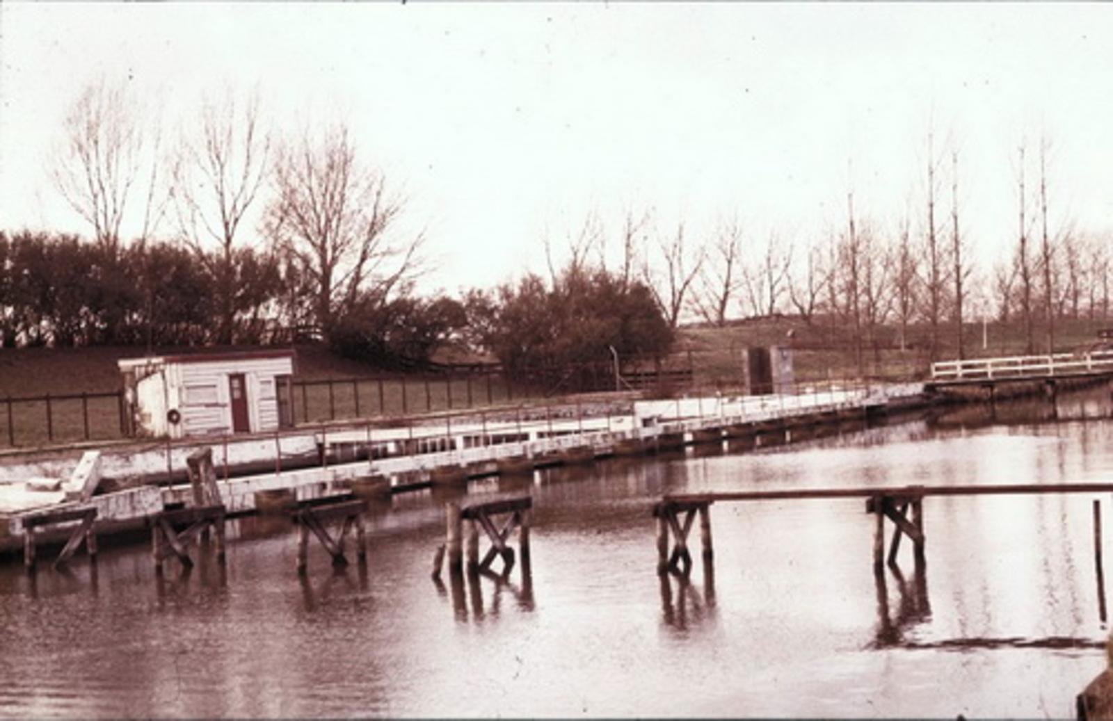 Zwembad 197_ Diaserie 03-15