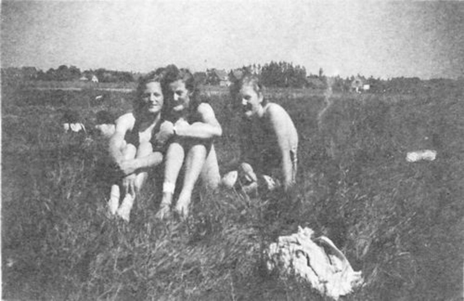 Zwembad met Zusjes vd Moren