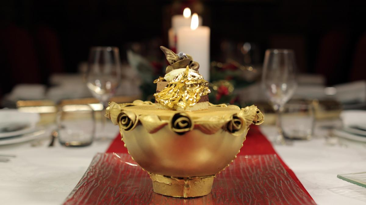 The World's Most Extraordinary Christmas Dinners