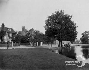 Commonside West: Newton House, Three Kings Pond, Wall round Elmwood Estate