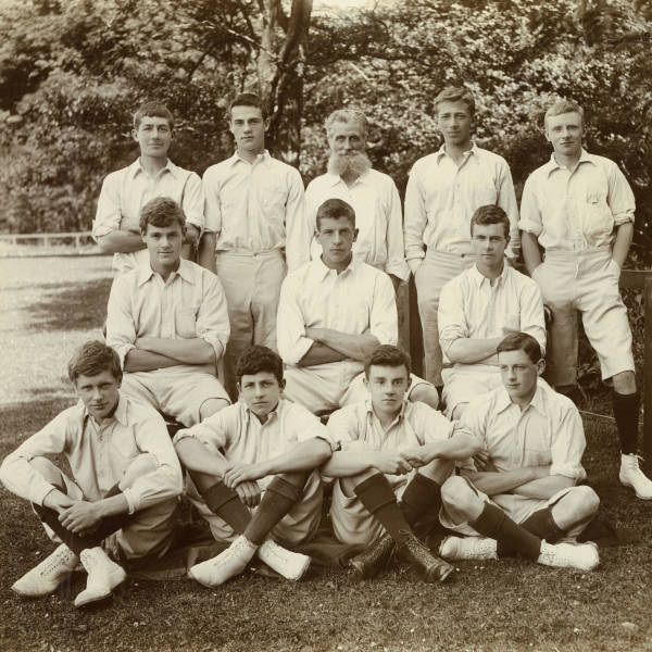 Cricket_1898_Loretto-XI.jpg