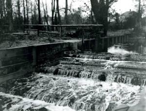 Wandle: Waterfall at Ravensbury Park