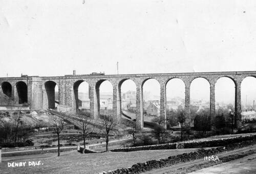 053 Denby Dale viaduct with Barnsley & Wakefield Roads