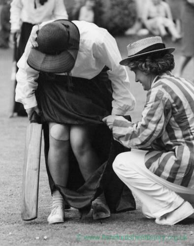 027 - Woman Batsman, W.I. Cricket