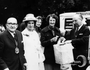 Mayor of Merton, J. L. Coombes and Janet Fookes M.P.