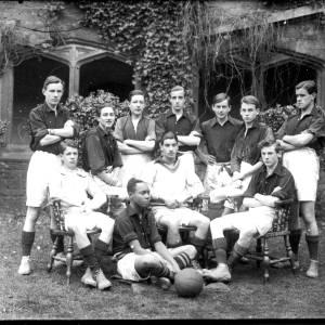 G36-404-14 Hereford  Cathedral School football team.jpg