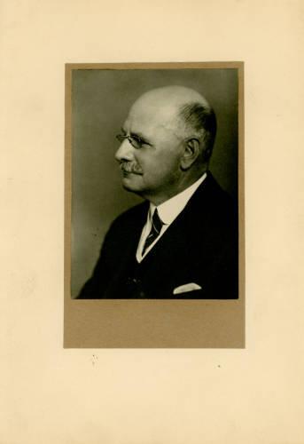 1920-21: Sir Henry Fowler