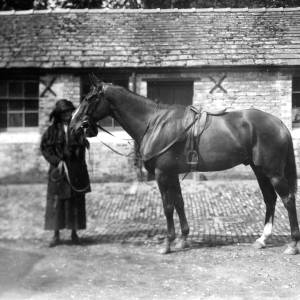 G36-541-04 Lady and horse [as G36-541-02] in stable yard.jpg