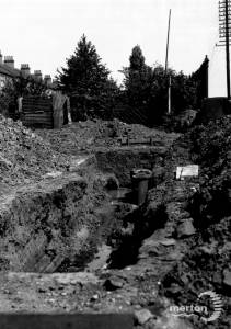 Cranbrook Road, Laying pipework