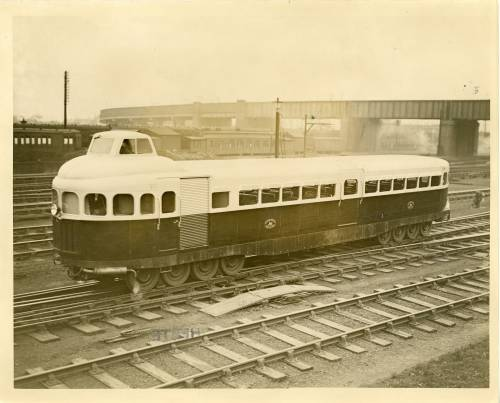 Oil drive railway car