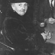 Mary Badstevener (Baxter) in the White Horse, Cumberland Street