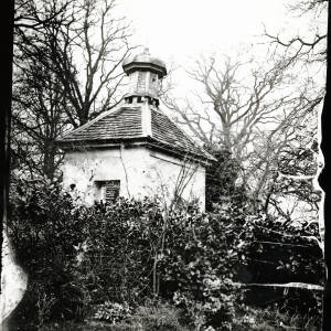 Bollitree Castle, pigeon house