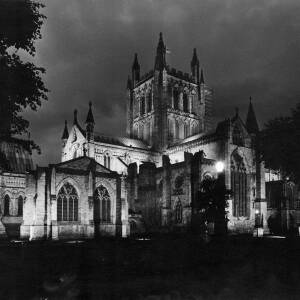 336 - Exterior view of Hereford Cathedral floodlit at night