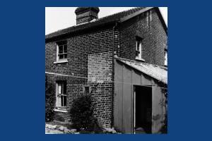 Blue House Cottages, West Barnes Lane: No.2