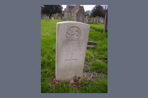 Gravestone of Robert W Davies