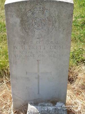 Gravestone of Corporal William Herbert Brett