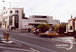 Wimbledon Station, Exterior