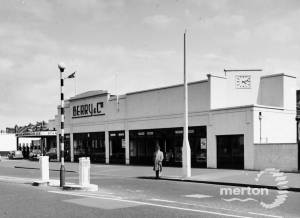 Kingston Road: Berry & Co. Garage