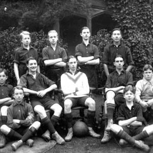 G36-538-06 Hereford Cathedral School football team.jpg
