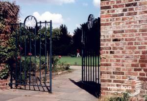 John Innes Park, Merton Park: Bowling Green