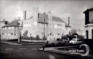 Norman Road, Wimbledon: The Sultan Pub, far left