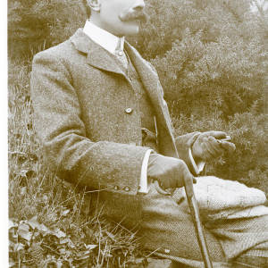 Dr Elgar (Rotary photo).jpg