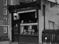 Mann's beer shop, High Path, Merton