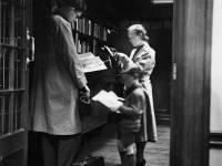 Mitcham Public Library, Staff & Public