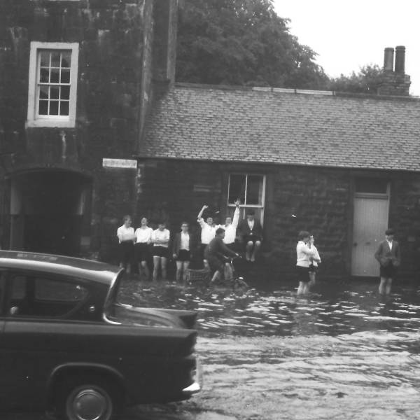 Flooding in Musselburgh (1) circa 1965 - sent in by Keith Brodie (1966)