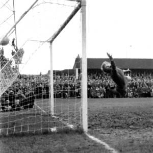 'The Radford Goal' flying past Newcastle goalkeeper Iam McFaul, Feb 1972.