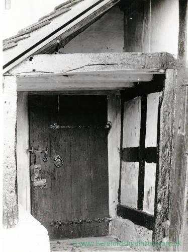 Vowchurch House, door