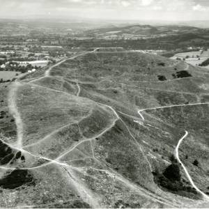 Li14984 Aerial photo of Hereford Beacon - Malvern.jpg